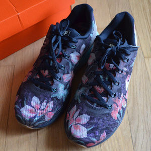 best authentic 751ec 8f4e1 Nike Shoes - Nike Lunarglide 6 Photosynth Floral Sneakers